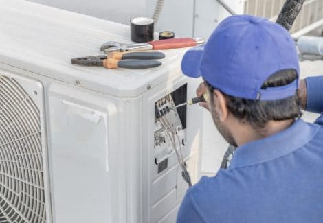 Caldaista RAM Gas ripara un guasto all'impianto di VMC a Brescia